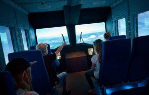 Helikoptersimulator af tur fra fastland ud til havet